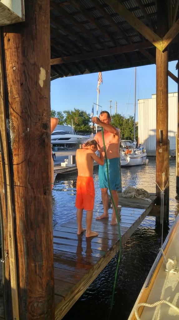 dockshowers